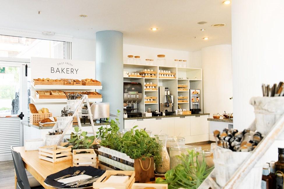 Hvem liker vel ikke ferskt brød og nytraktet kaffe?