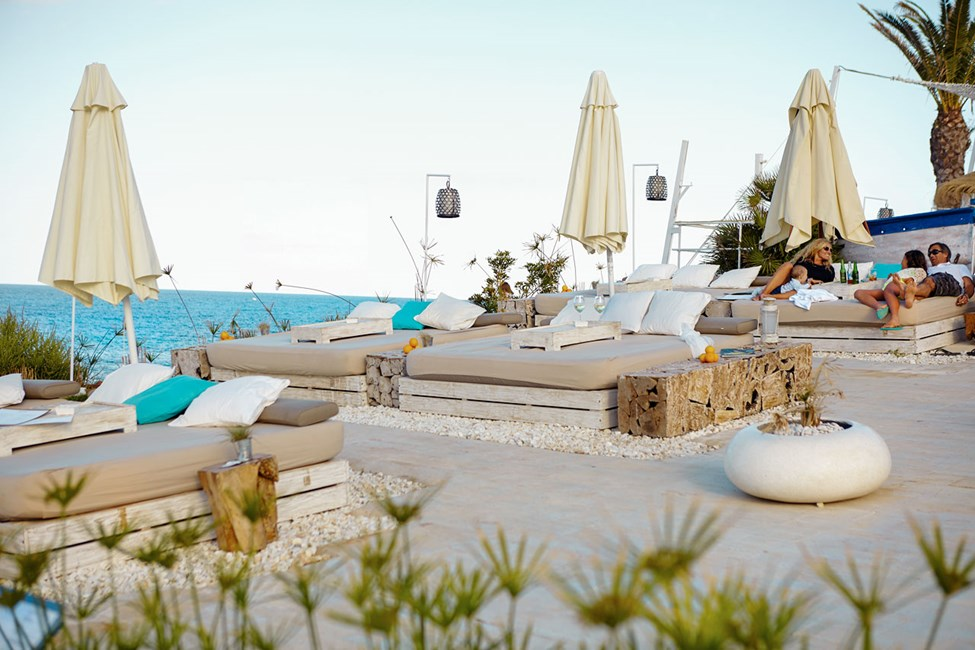 Atzaro Beach Club