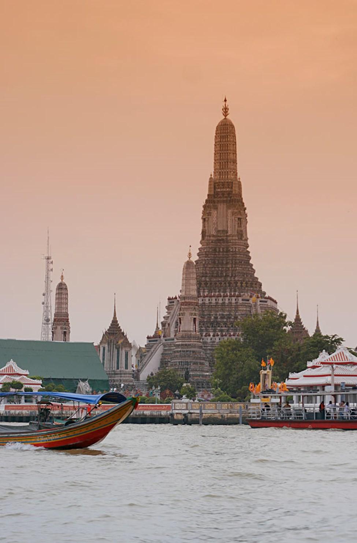 Buddhisttempelet Wat-Arun er populært å besøke.