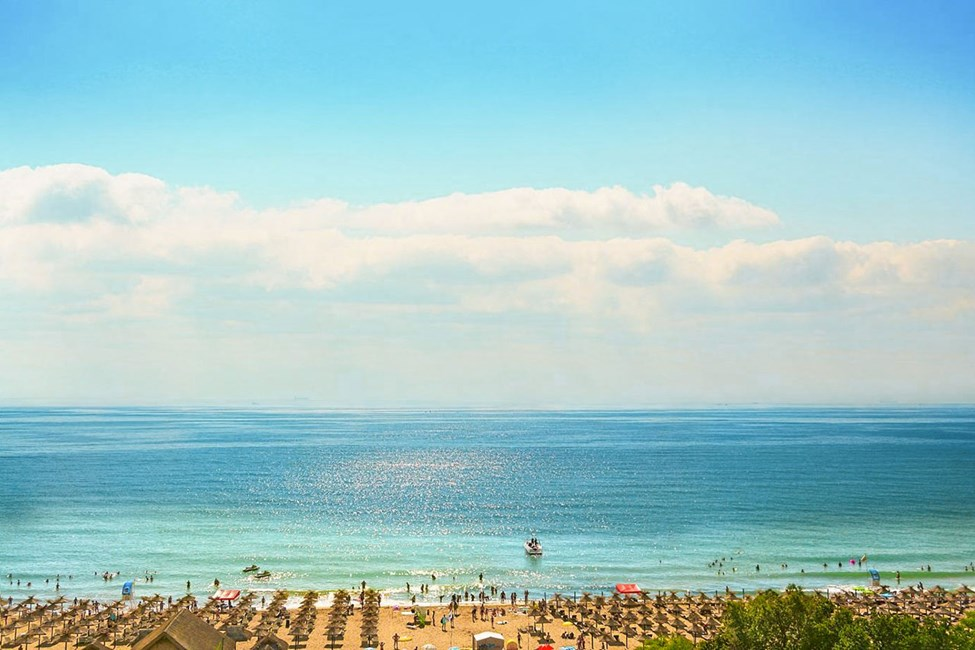 Den fine sandstranden i Sunny Beach