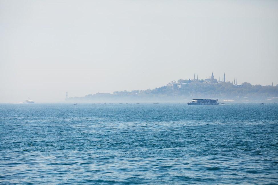 Utsikt til Den Blå Moské fra Bosporusstrædet