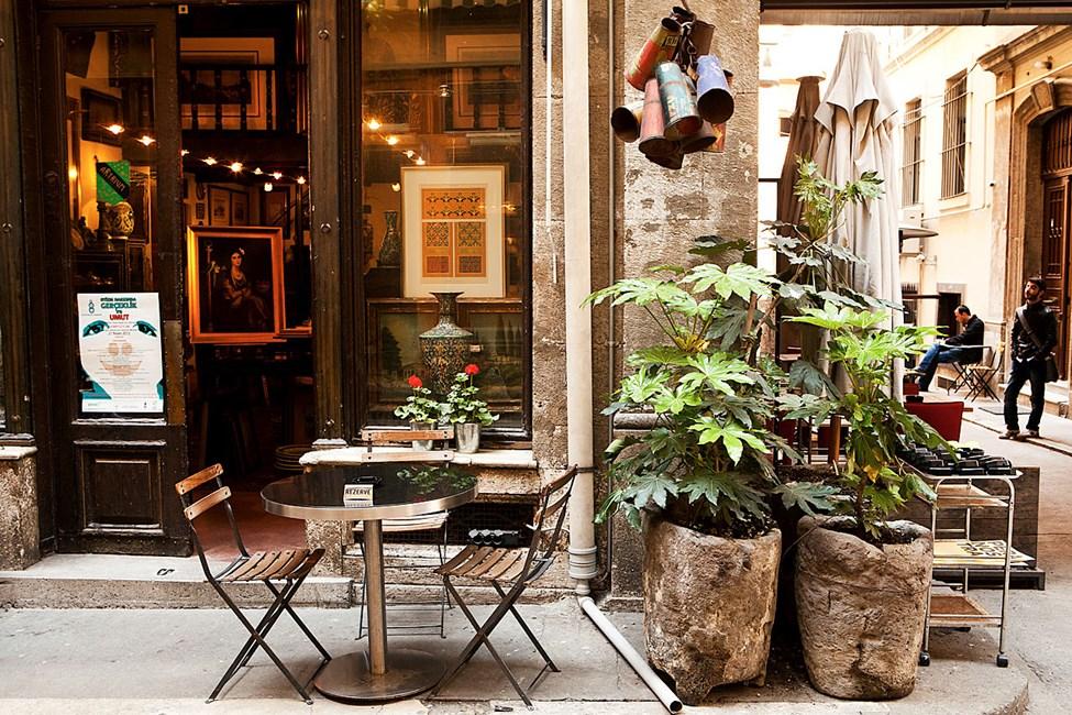 Kaféer og gallerier i Tunel Gecidi, Beyoglu