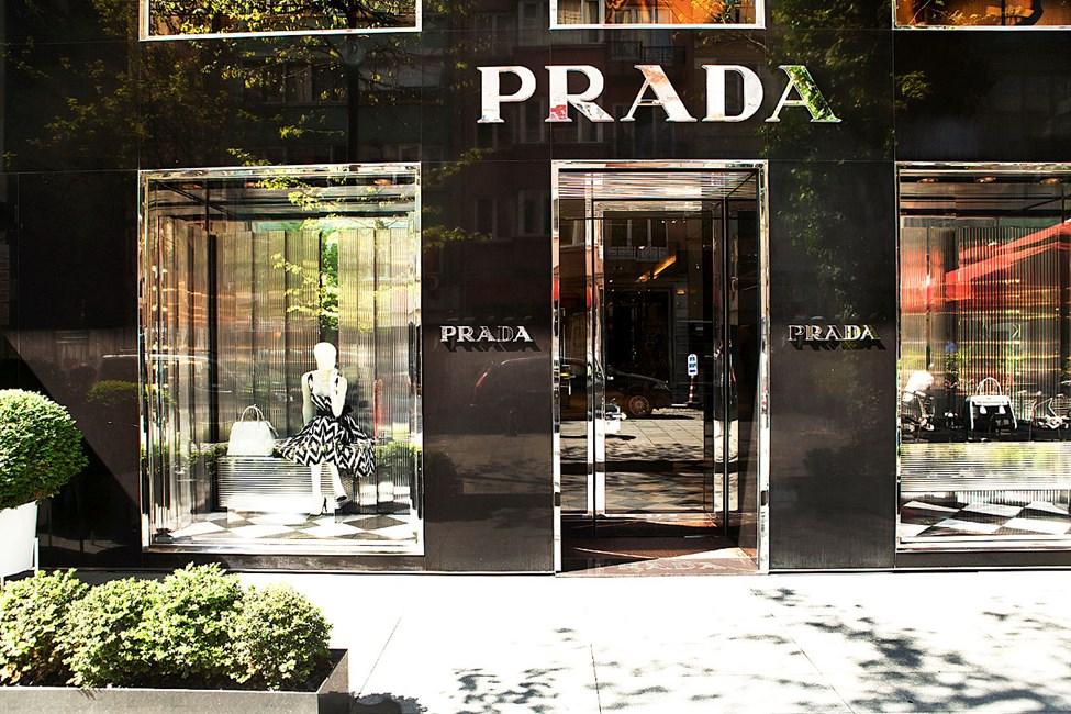 """Prada-butikken på den """"fine gaten"""" Ipekçi i området Sisli"""