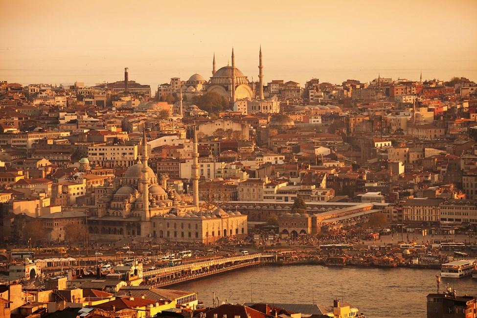Solnedgang over Istanbul, Galata-broen, Det Gyldne Horn og Den Blå Moské