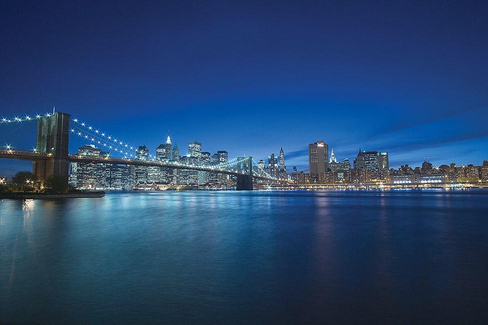 Brooklyn Bridge og Manhattan skyline
