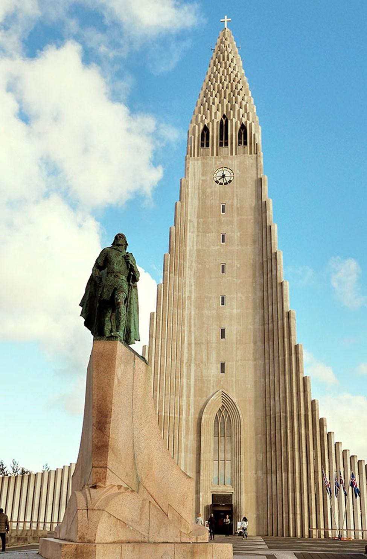 Den statlige Hallgrimskirken i Reykjavik