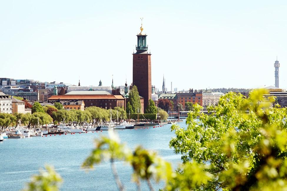 Rådhuset Norr Mälarstrand sett fra Västerbron