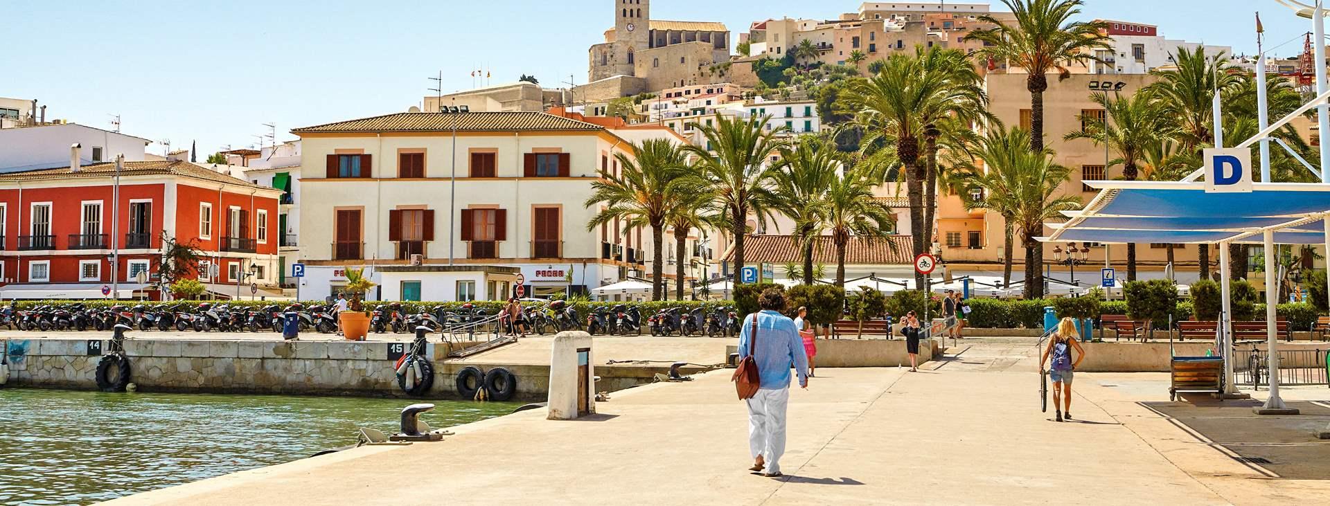 Bestill en reise med Ving til Ibiza by på Ibiza