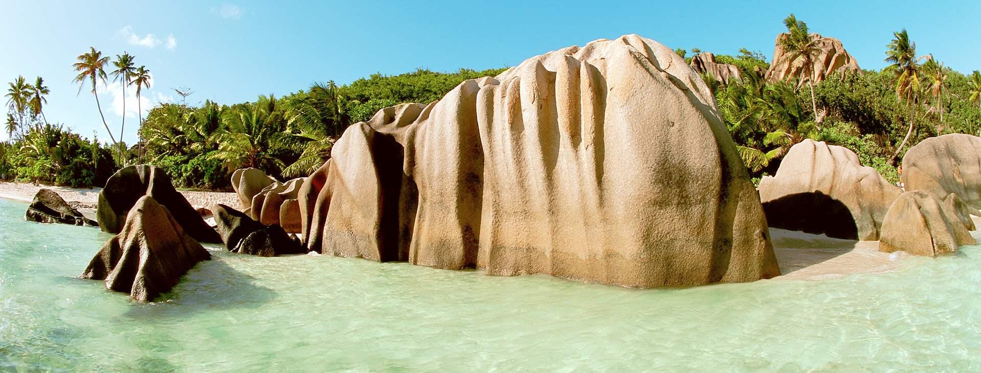 Bestill en reise med Ving til La Digue på Seychellene