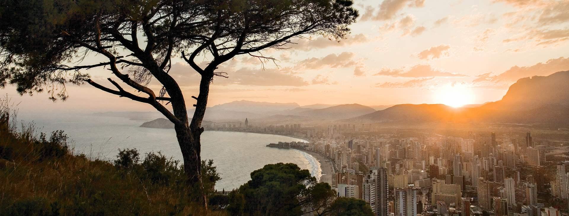 Bestill en reise med Ving til Benidorm i Spania