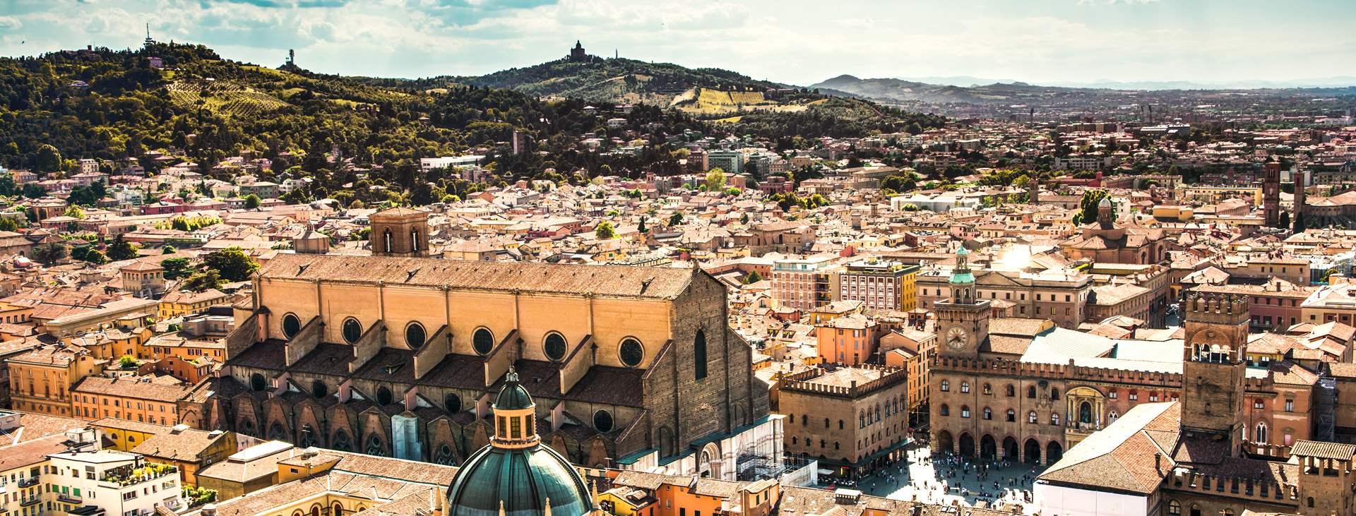 Bestill en reise med Ving til Bologna i Italia