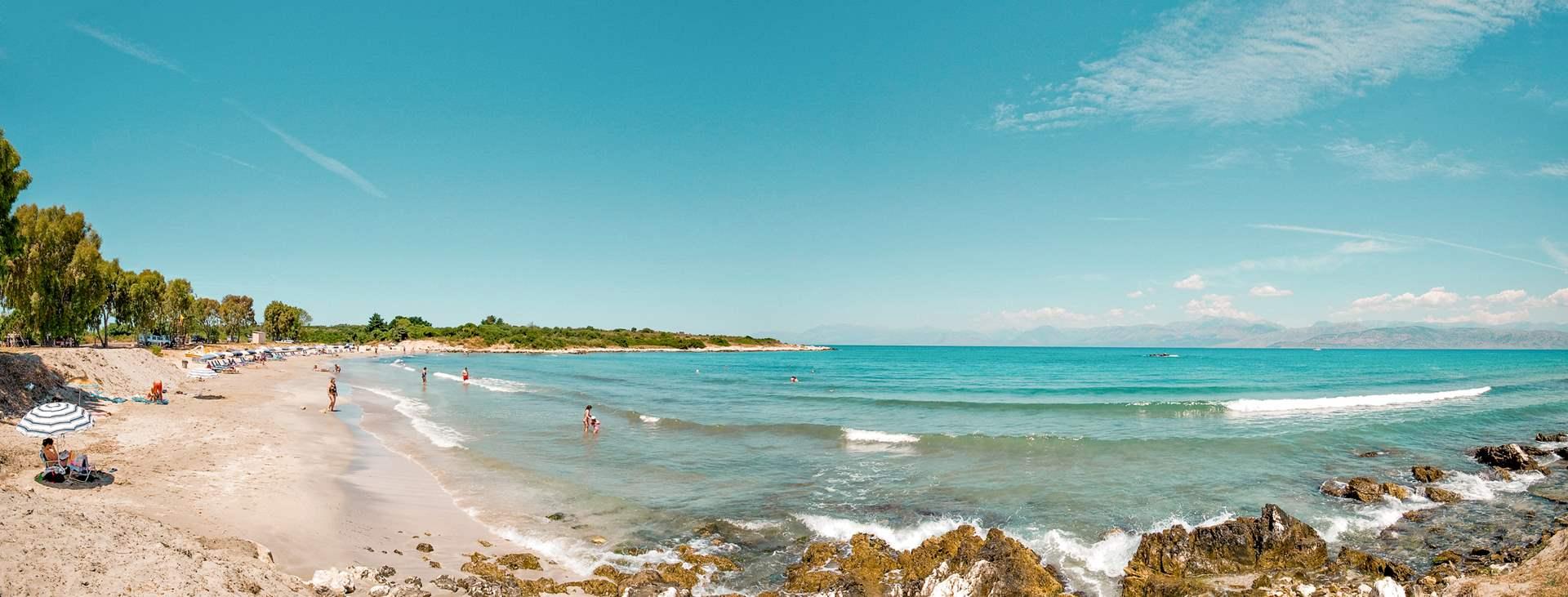 Bestill en reise med Ving til Acharavi på Korfu