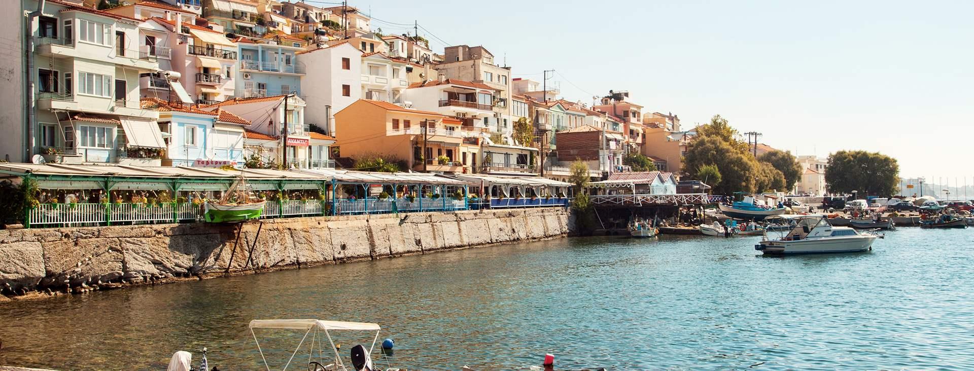 Bestill en reise med Ving til Plomari på Lesvos