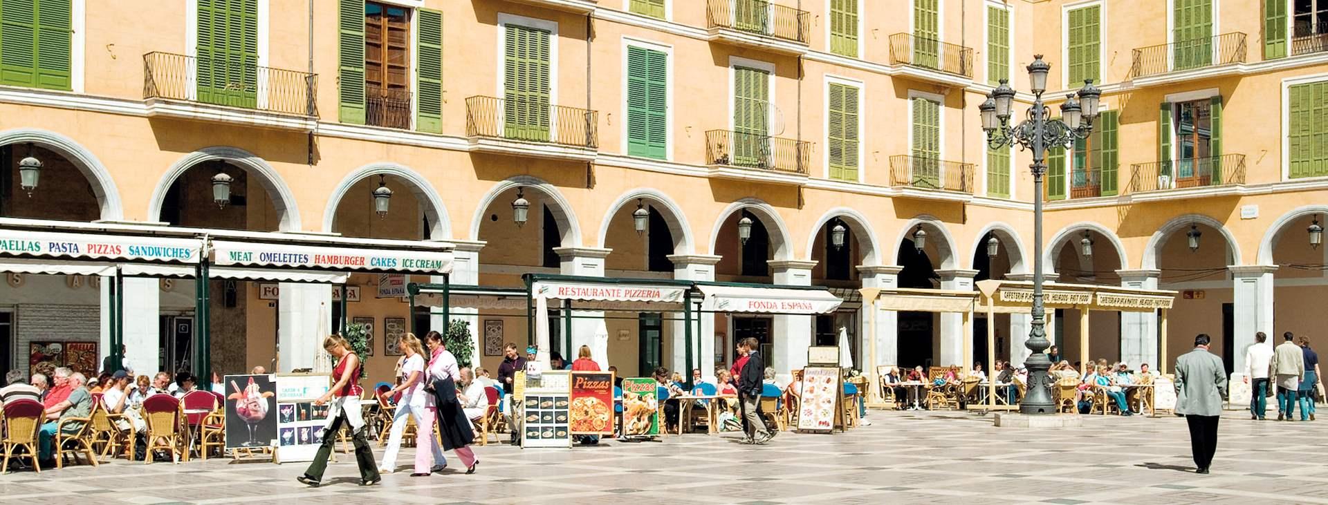 Bestill en reise med Ving til Palma by på Mallorca