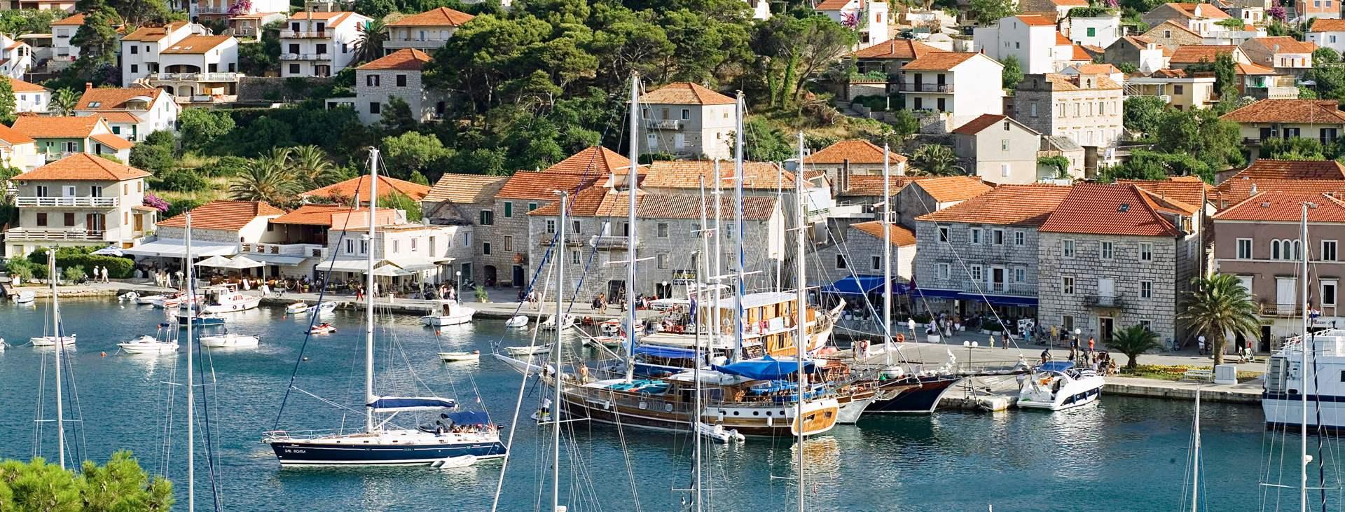 Reiser til Jelsa på øya Hvar i Kroatia